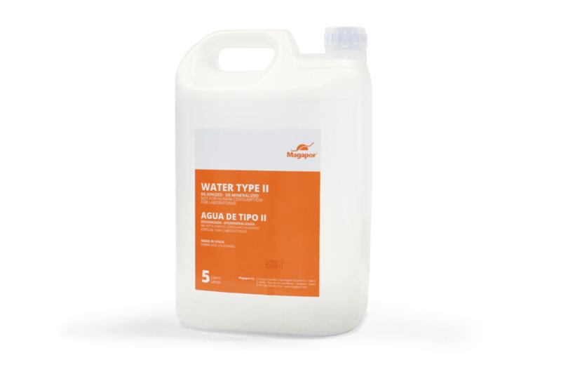 Agua destilada de tipo II